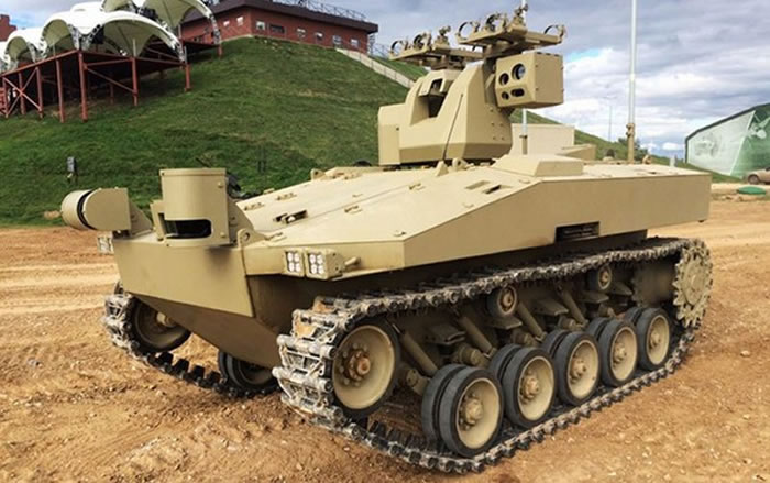 「战友」无人坦克可依客户需求改变火力配置。