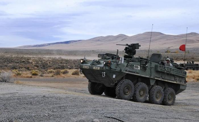 史崔克装甲车重量约16吨(未加炮),长度7公尺、宽约2.7公尺、高度2.6公尺。