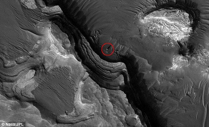 "Youtube频道""火星月亮太空电视"":美国NASA卫星捕捉到火星上一个巨型神秘球体"