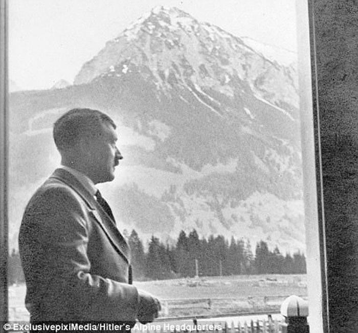 新书中关爱及平易近人的照片颠覆希特勒恶魔形象
