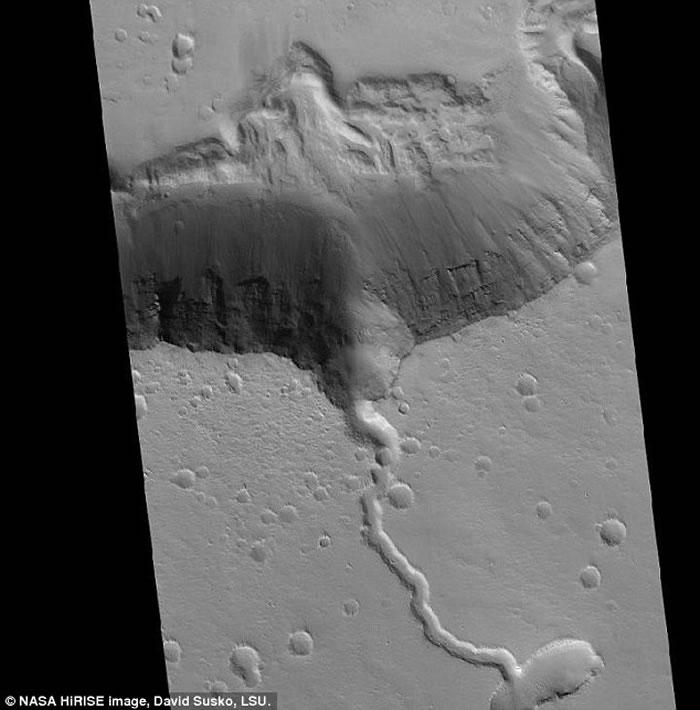 《地球与行星科学快报》:火星阿尔西亚山火山最后喷发时正值地球白垩纪恐龙大量灭绝
