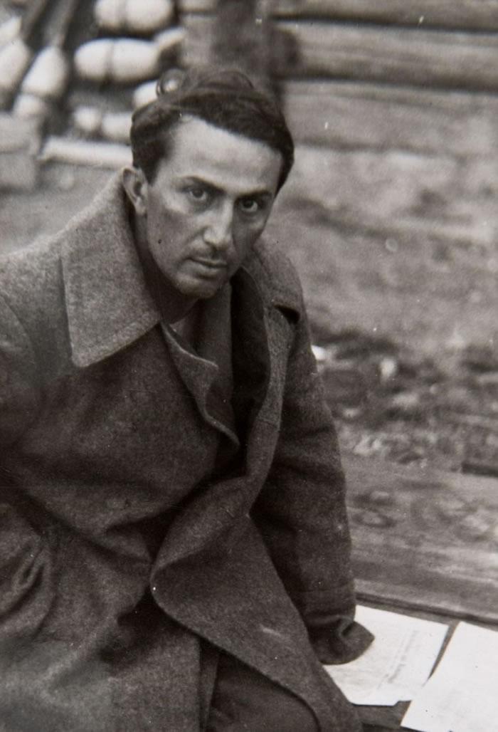 雅科夫被德军俘虏。