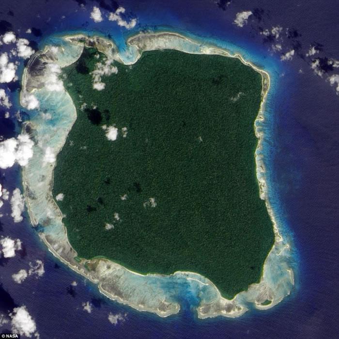 """珍贵片段流出:印度洋北森蒂维尔岛原始部落""""见人就杀""""的森蒂纳尔人"""