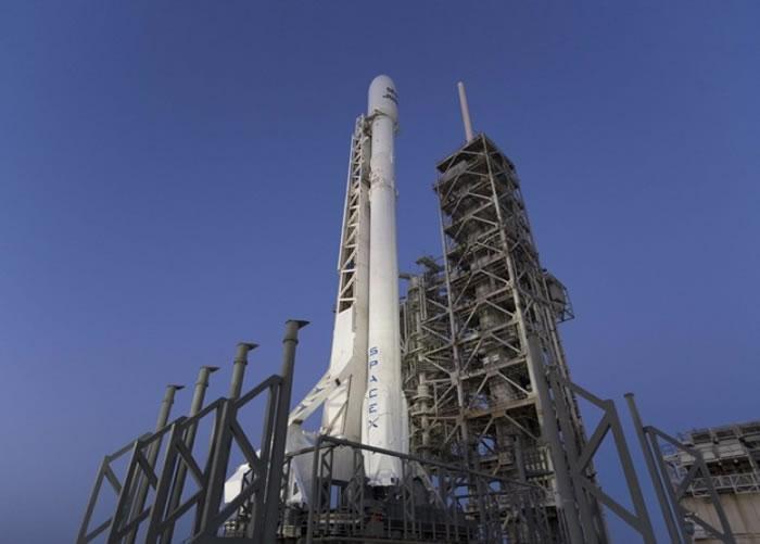 发射重用火箭有助降低成本。
