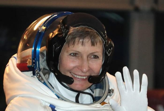 惠特森打破女性宇航员太空漫步次数最多的纪录。