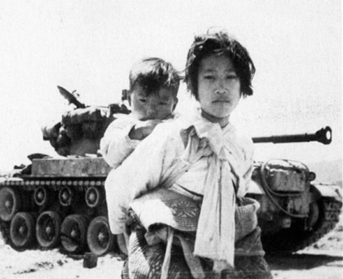 朝鲜战争中的韩国少女。