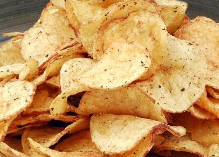 英国有研究指部分品牌的薯片的致癌物超标。(资料图片)