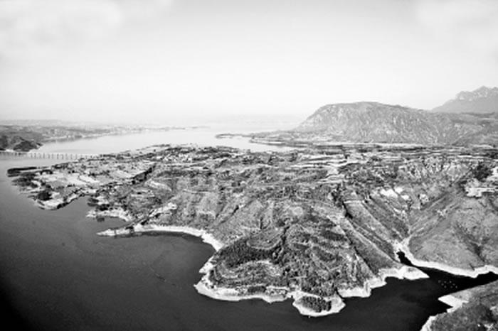 俯瞰渑池任村上河化石点