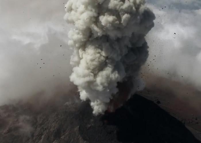 危地马拉的烈焰火山难接近 英国剑桥大学&n日本漫画澳门香港bsp;