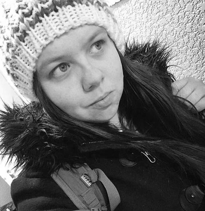来自英国曼彻斯特的28岁女游客强森(Hayley Johnson)