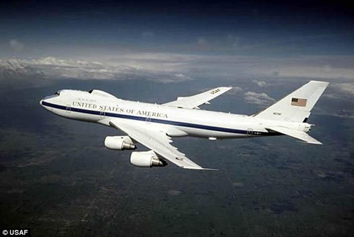 """美国总统""""末日客机""""E-4B守夜者(Nightwatch) 抵御电磁脉冲的空中指挥所"""
