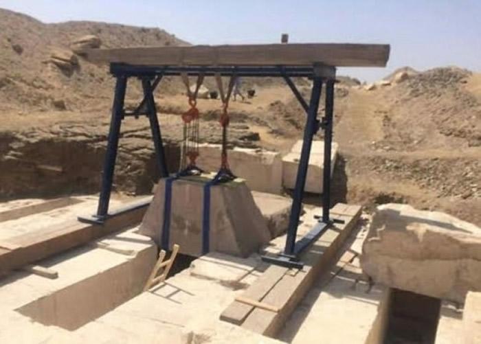 专家发现属于法老王女儿的墓室.-埃及发现3700年历史古墓 安葬十三图片