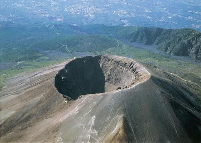专家指坎皮佛莱格瑞火山或会爆发。