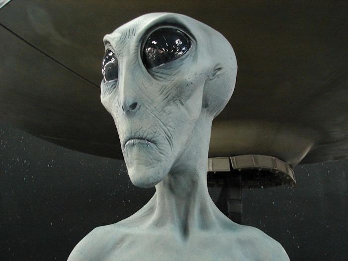 毕格罗宇航(Bigelow Aerospace)创始人毕格罗:外星人的确存在且已经造访过地球