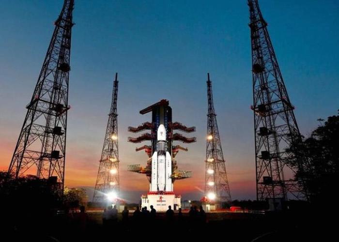 印度成功运送GSAT-19通讯卫星进入太空轨道。