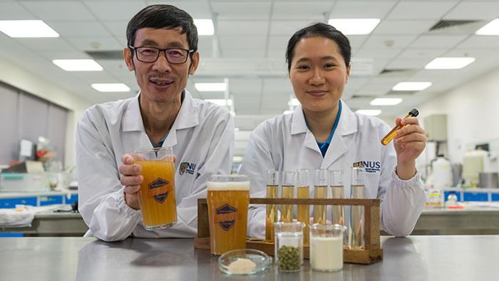 新加坡国立大学学生陈美芝成功研发出全球第一款益生菌啤酒
