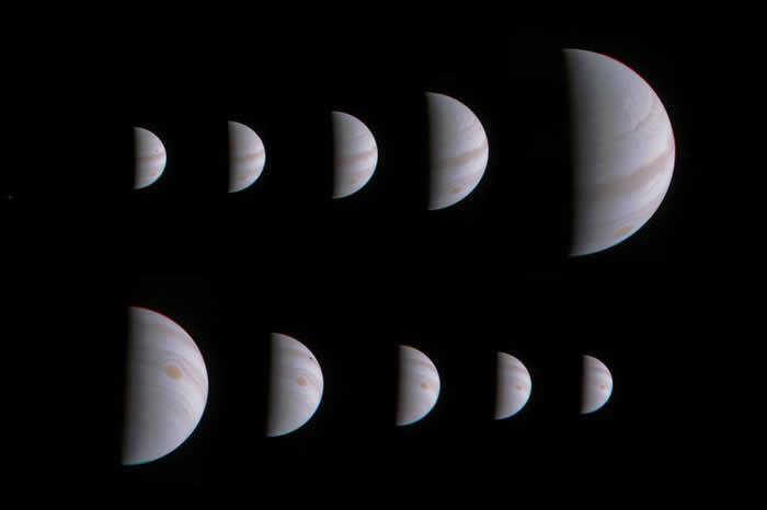 这一系列影像,木星看起来忽大忽小,这是朱诺号在2016年8月时,朝木星靠近时拍摄的影像。 PHOTOGRAPH BY NASA