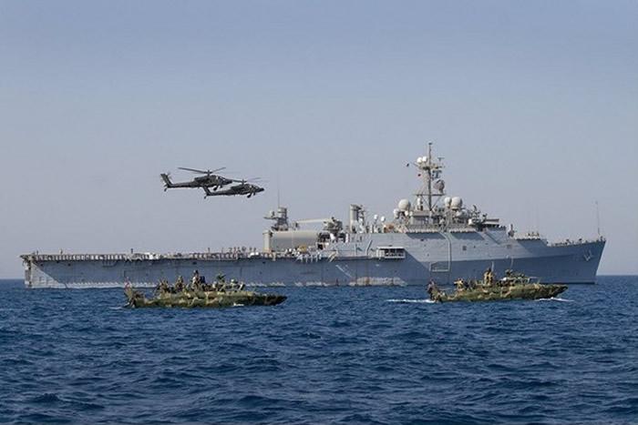 美国海军在波斯湾进行激光武器试验 1美元花费精准打击一架无人机