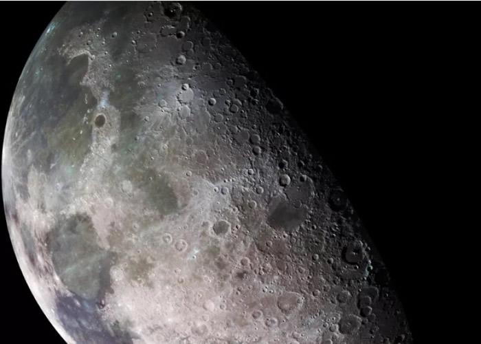 科学家发现月球表面的火山沉积物含有水的成分。