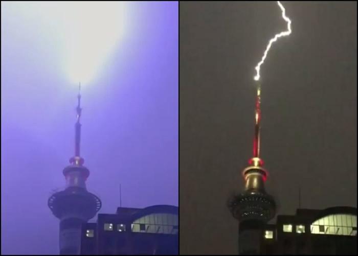 有人拍到闪电击中天空塔的一刻。