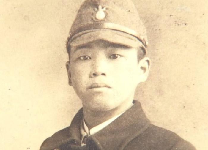藤本安马少年时曾制作毒气。