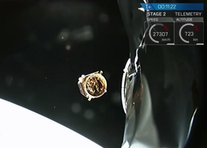 火箭在太空进行分离。