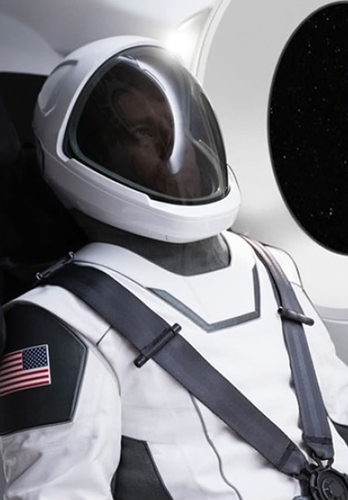 美国太空科技探索公司(SpaceX)公布造型优美的白色太空衣