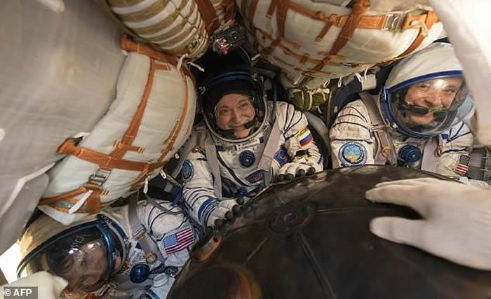 女宇航员Peggy Whitson刷新美国宇航员在太空停留时间最长纪录回到地球