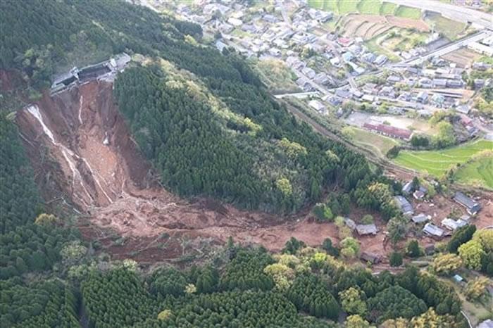 熊本地震引发土石流
