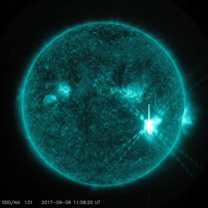 美国航太总署的太阳动力学天文台(Solar Dynamics Observatory)在9月6日拍摄到这张X9.3级太阳闪焰的影像。PHOTOGRAPH BY