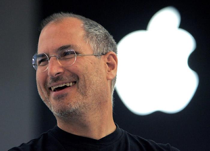 解密iPhone诞生之谜:苹果乔布斯被微软员工惹毛 决定专心研发开启智能手机新时代