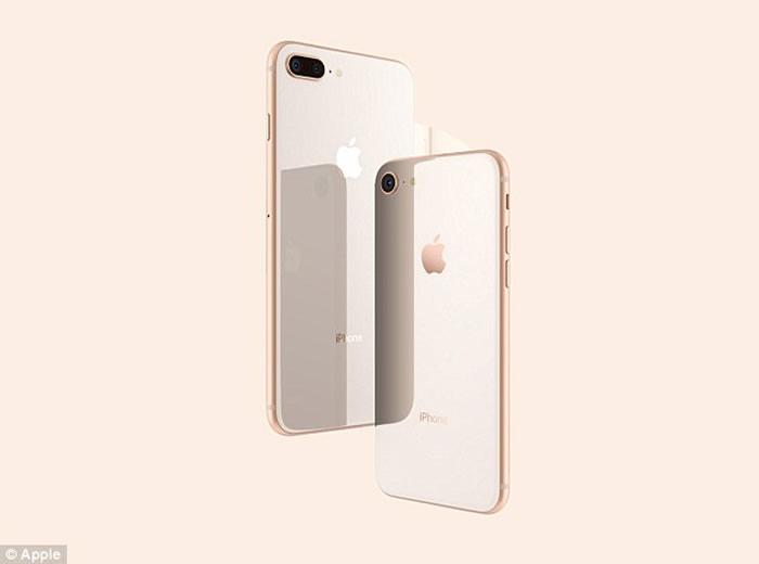 iPhone 8和十周年纪念版iPhone X推出 现场见证苹果十年磨一剑的手机十大进化
