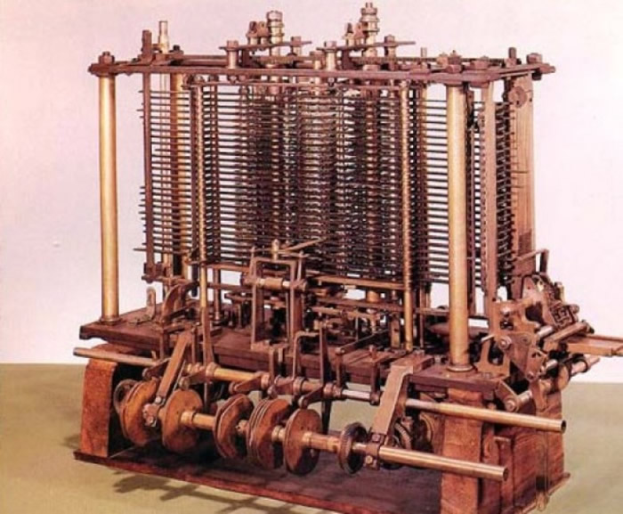 """图灵曾在二战期间研制出""""图灵机"""",破解纳粹德军的密码。"""