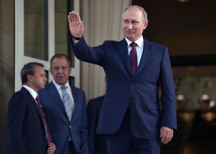 俄罗斯总统普京得女歌手歌颂。