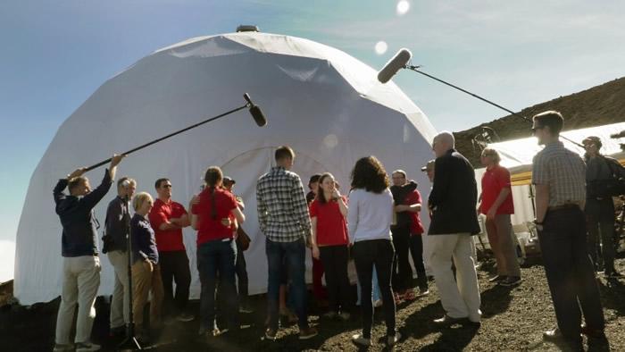 模拟居于火星栖息地 6人在美国夏威夷与世隔绝8月后出关