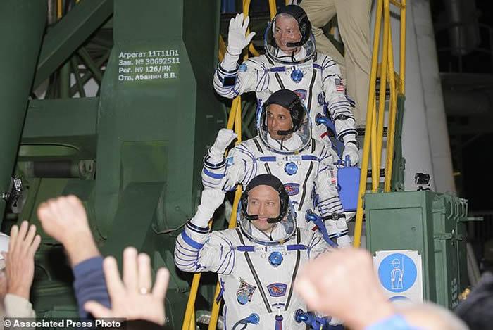 """俄罗斯""""联盟MS-06""""太空船飞往国际空间站 美俄联手执勤5个月"""