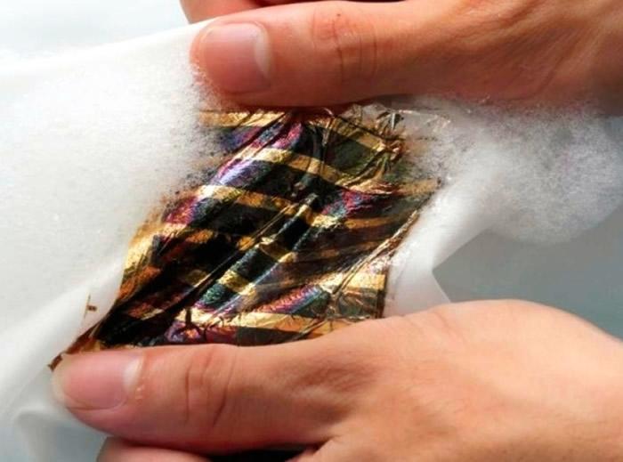 超薄太阳能电池可以用清洁剂清洗。