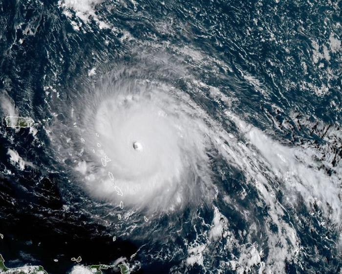 飓风艾玛的卫星图像。