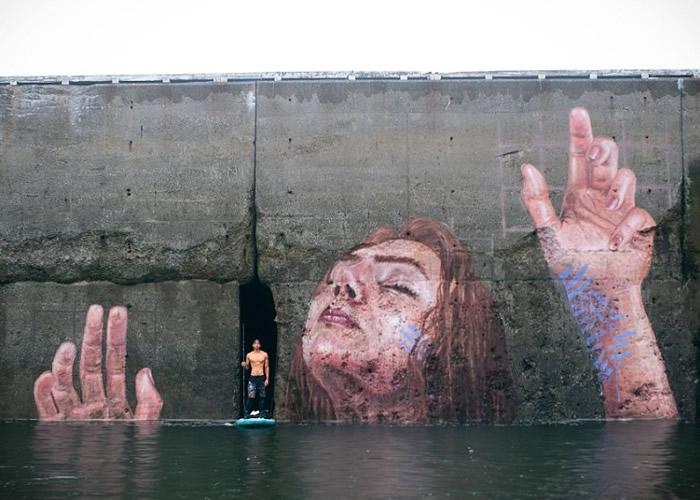 于拉与他的壁画