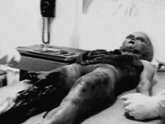 影片《解剖外星人》(Alien Autopsy)只是个笑话 制片人Spyros Melaris承认造假
