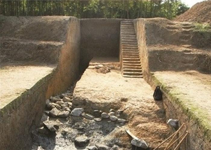 """阿罗兹认为良渚遗址能证明,5000年前的良渚社会已进入""""国家文明阶段""""。"""