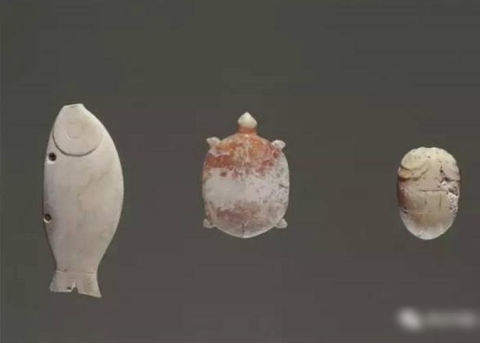 良渚遗均最大特色是在于其所出土的玉器。