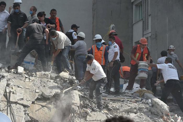 """专家指墨西哥城的""""啫喱""""地理特质,亦令地震的威力更大。"""