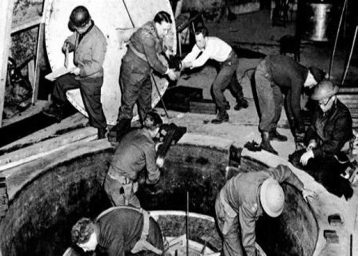 台尔曼发现金属位置原来是纳粹党的秘密核试场。