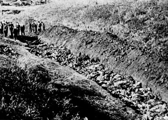 特别行动队在基辅射杀大批犹太人。
