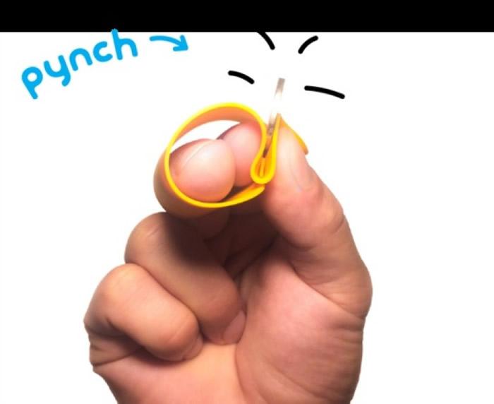 指套外型似是细小的长形胶片。