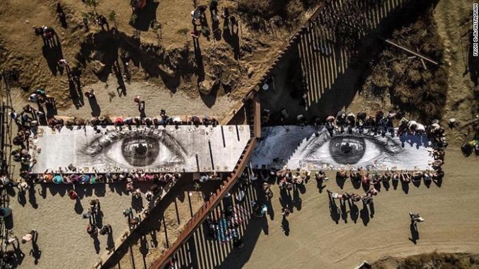 """美国总统特朗普要在美墨边界建围墙 艺术家的""""梦想家之眼""""反击"""