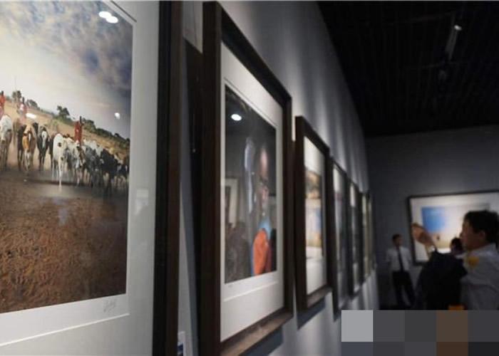 摄影展在武汉的湖北省博物馆举行。