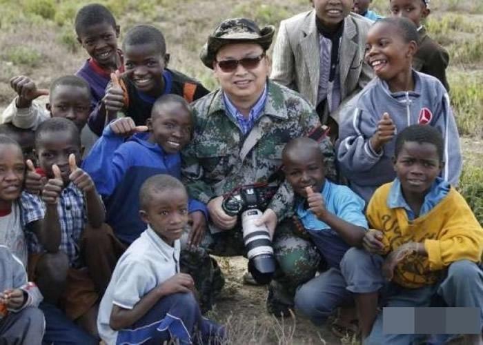 喻惠平多次造访非洲。