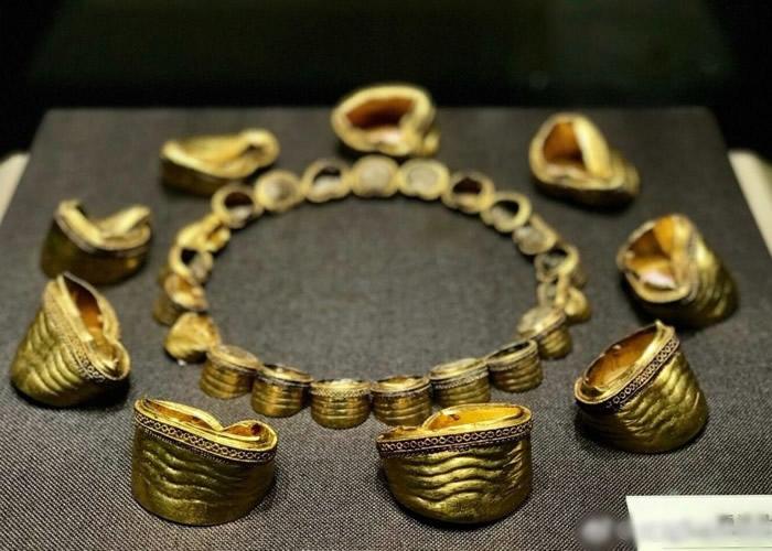 海昏侯墓出土的马蹄金。